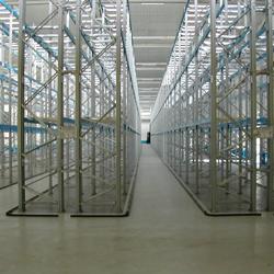 Pavimenti in resina per il magazzino dove la movimentazione dei carichi è notevole