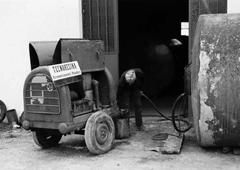 Tecnoresina Vernici negli anni 70 avvia la propria attività per le vetrificazioni alimentari